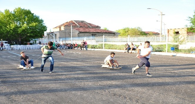 KSÜlü öğrenmcilerden Bilye Formula yarışı