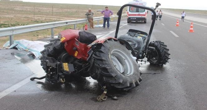 Karamanda çekici traktöre çarptı: 1 ölü