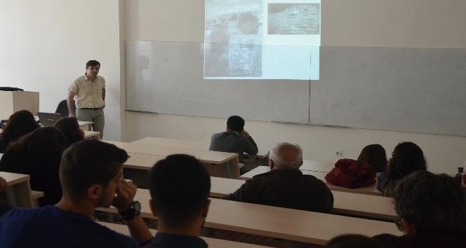 """Bartın Üniversitesinde """"Müzeler Günü"""" konferansı"""