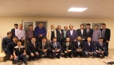 Konyada üniversite öğrencilerinin mezuniyet sevinci