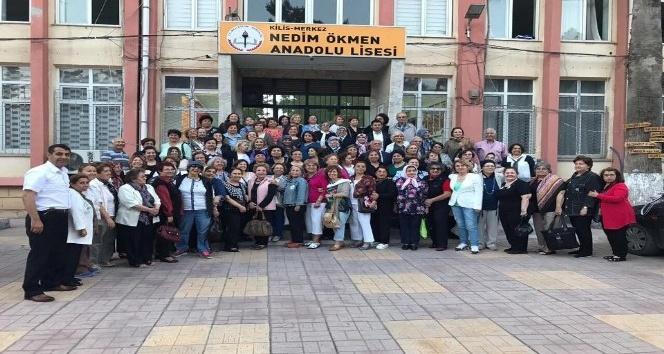 Kilis Kız Öğretmen Okulu mezunları 50 yıl sonra bir araya geldi