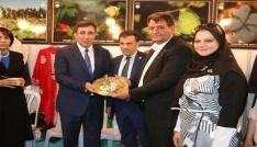 Belediye Başkanı Ayhan, Akçakaleyi Ankarada tanıtıyor