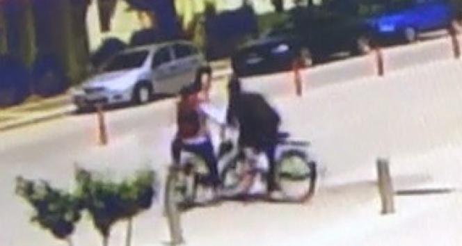 Bu kez kavşakta otomobil değil bisikletliler çarpıştı