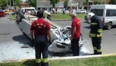 Kırmızı ışık ihlali kazayla sonuçlandı: 3 yaralı