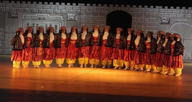 Anadolunun renkleri aynı sahnede buluştu