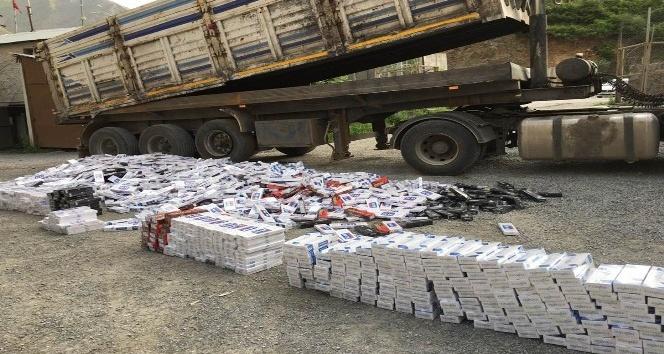 Hakkaride 31 bin 630 paket kaçak sigara ele geçirildi