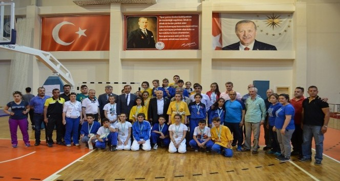 Kuşak Güreşi Yıldızlar Türkiye Şampiyonası sona erdi