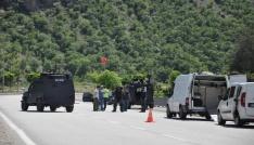 Tuncelide şüpheli araç polisi alarma geçirdi