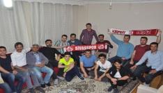 Karsta yaşayan Sivaslılardan şampiyonluk kutlaması