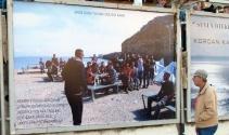 Mültecilerin dramı billboardlarda