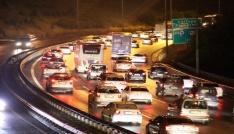 İstanbula geri dönüş trafiği TEMde devam ediyor