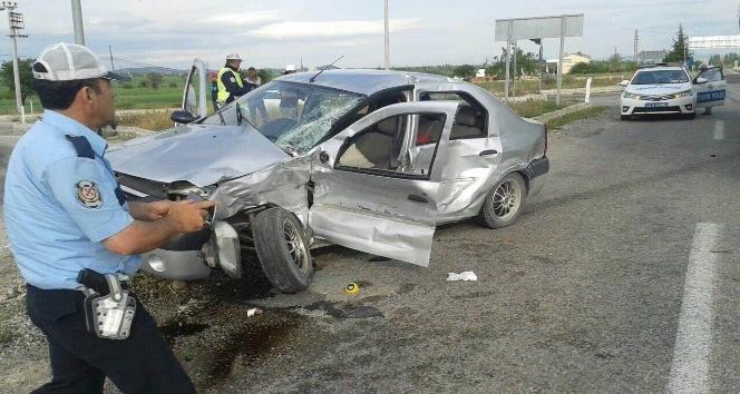 Konyada iki ayrı kaza: 1 ölü, 5 yaralı
