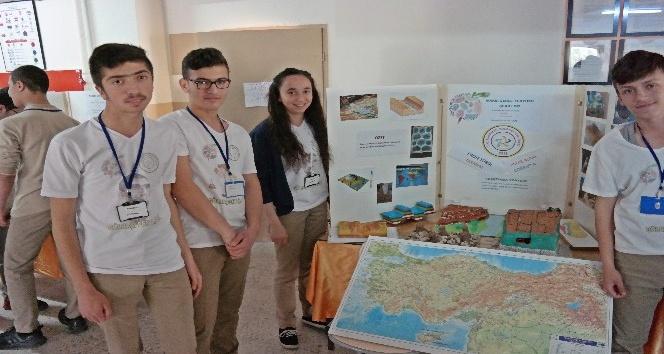 Gölbaşı Fen Lisesinde TÜBİTAK 4006 Bilim Fuarı gerçekleştirildi