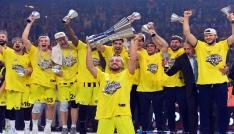 Fenerbahçe şampiyonluk turu atacak
