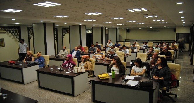 Büyükşehirden ev hayvanı satıcılarına eğitim semineri