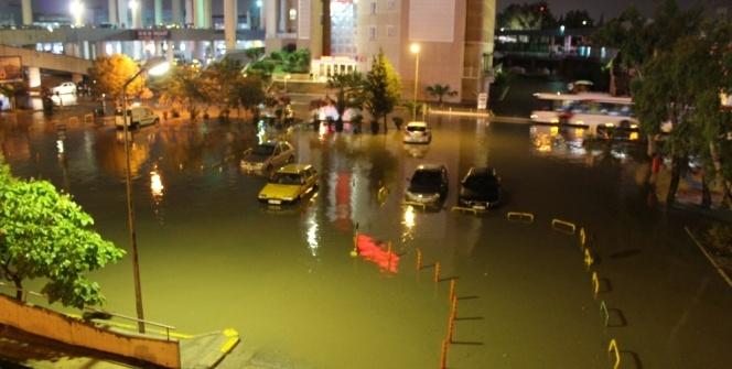 İzmir göle döndü!