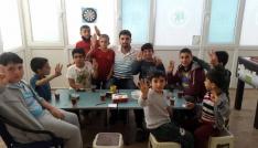 Terörle mücadeleye destek veren izcilere anlamlı ziyaret