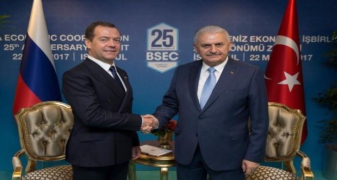 Başbakan Binali Yıldırımdan Rusyaya domates ithalatı açıklaması