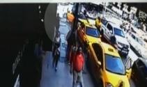 Taksimde başına kurşun isabet eden turistin son görüntüleri kamerada