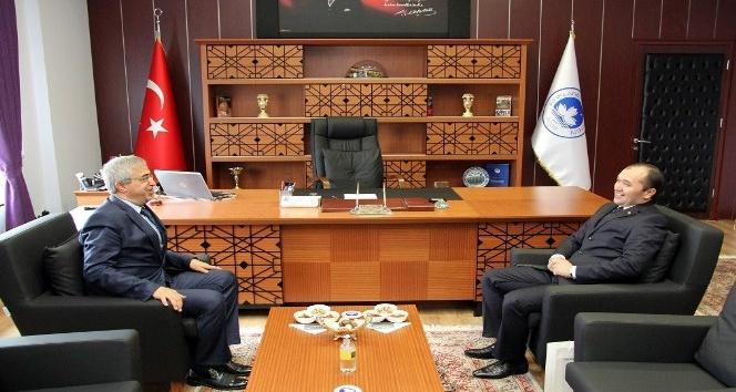Türkmenistan İstanbul Başkonsolosu Seyitmammedovdan Kırklareli Üniversitesine ziyaret