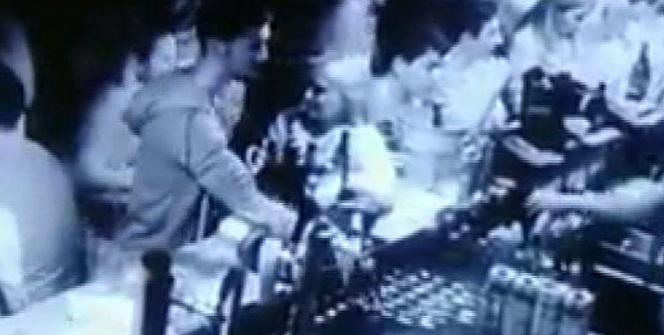 Kadıköy'deki ünlü gece kulübünde yaşanan ilginç kaza kamerada