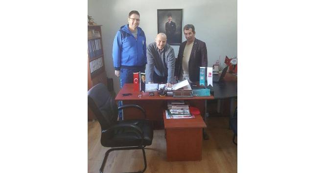 Yalova Group Belediyespor, Salmanla sözleşme tazeledi