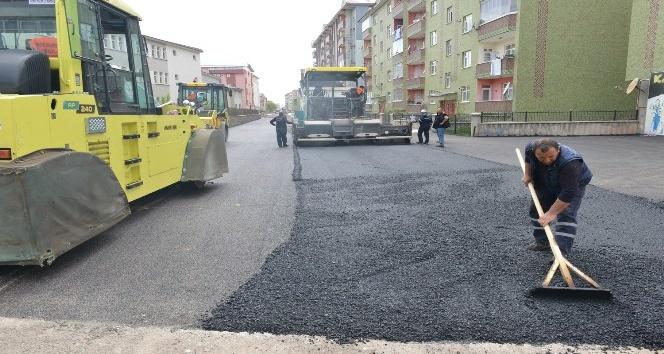 Yakutiye Belediyesi, Şükrüpaşa'yı asfaltla kaplıyor
