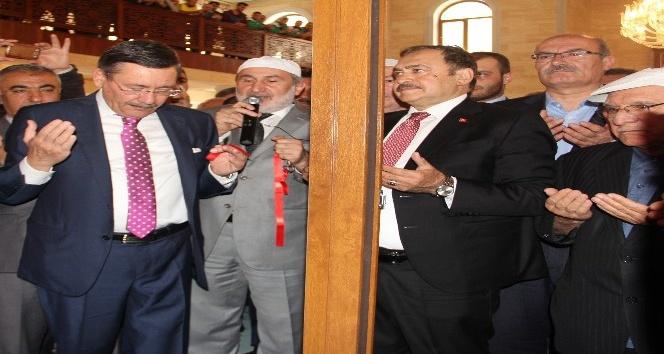 Bakan Eroğlu cami açılışına katıldı
