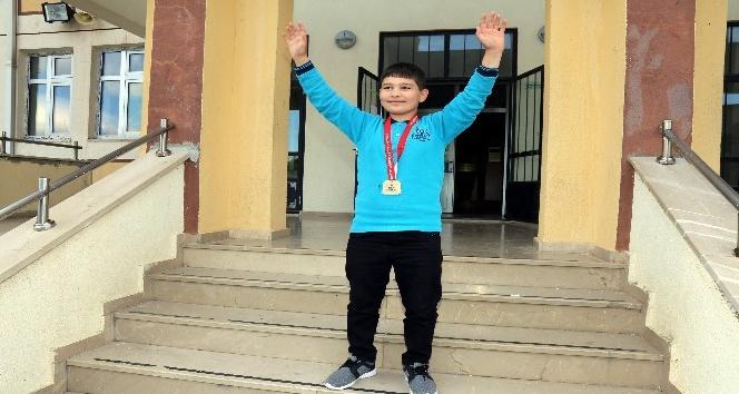 Yozgatta 11 yaşındaki şampiyon, Rıza Kayaalpi örnek alıyor