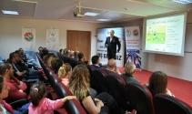 Erzincan'da 'IAAF Çocuk Atletizmi' semineri