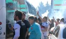 Beşiktaş şampiyon sloganıyla karşılandı