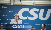Merkel: 'Kaderimizi kendi ellerimize almalıyız'