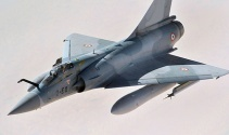 Yunan savaş uçağı düştü