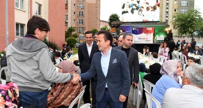 Tuzlada geleneksel sokak iftarları başladı