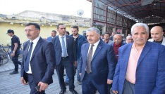 Bakan Arslan, Iğdırda esnafı ziyaret etti