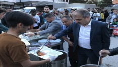 Başkan Dinç iftar yemeği dağıttı