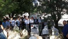 Filistin şehidi mezarı başında anıldı