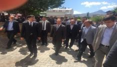 Sağlık Bakanı Recep Akdağ, Tuzlucada esnaf ziyaretinde bulundu