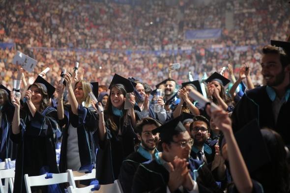BAU ailesinin mezuniyet coşkusu