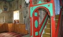 500 yıllık tarihin izlerini taşıyan cami