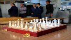Yozgatta öğrenciler pirinç ve alüminyumdan satranç takımı üretti