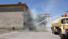 Bingölde 1971 depremi sonrasında yapılan deprem konutları yıkılıyor