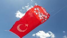 Şehitlerin isimleri Katonun zirvesine dikilen bayrağa yazıldı