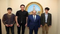 Vali İsmail Ustaoğlu, YGSde derece yapan öğrencileri ödüllendirdi