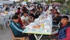 Aksaray Belediyesi kardeşlik sofrasını Yeni Sanayi Mahallesine kurdu