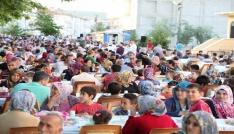 Özbeldede 3000 kişilik iftar sofrası