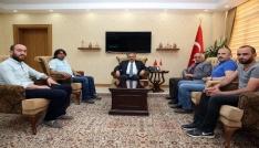 Bayburt Gazeteciler Cemiyeti yönetimi, Vali İsmail Ustaoğlunu ziyaret etti