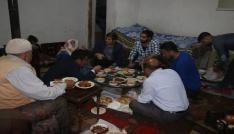 Kaymakam Erat, iftar programında Yardımcı ailesinin konuğu oldu