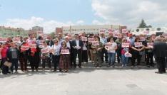 CHPliler Ömer Halisdemir Meydanında toplandı