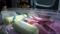 (Özel Haber) Anne karnında ölümle burun buruna gelen bebek yaşam savaşı veriyor